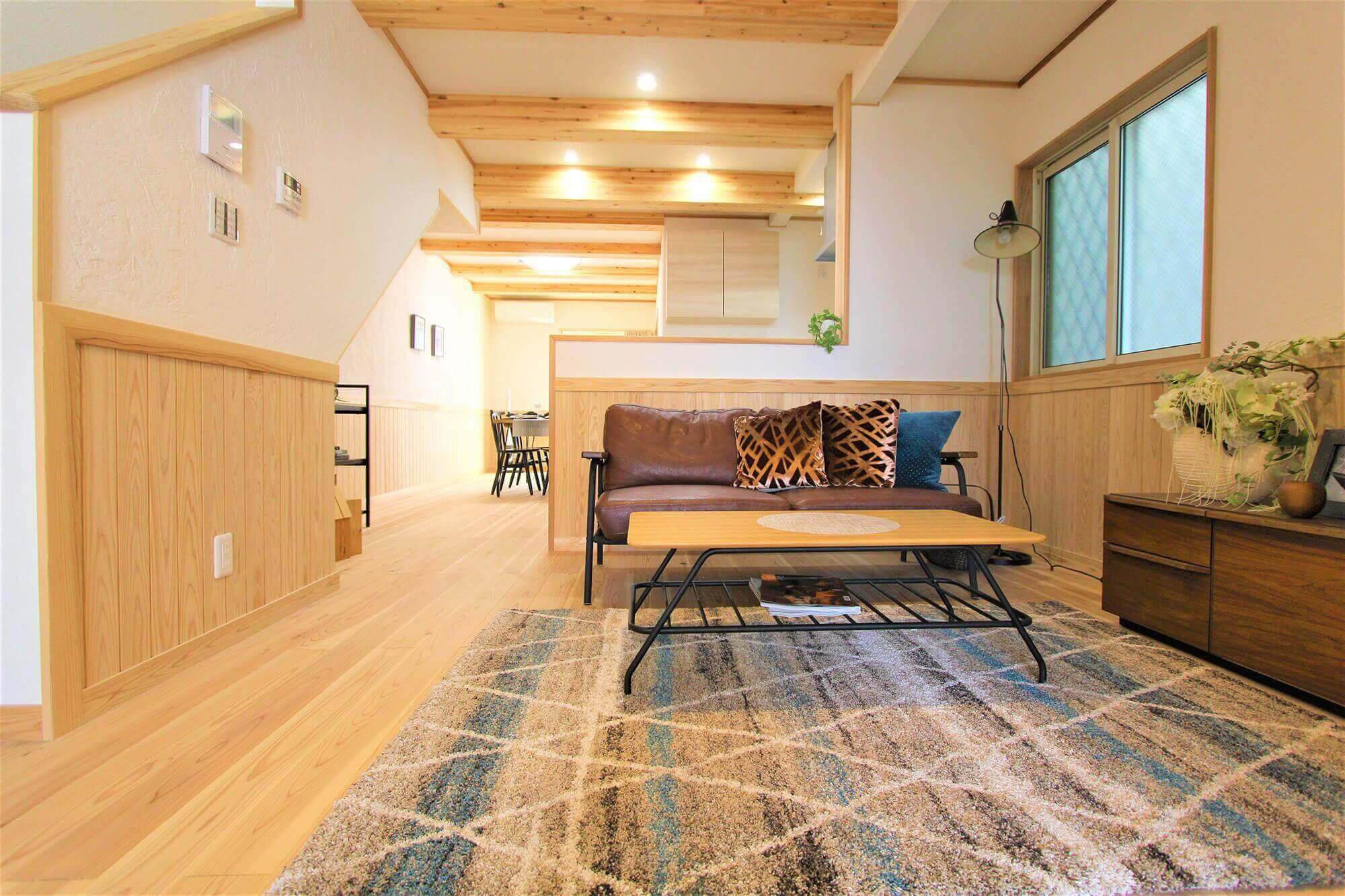 木の温もりを感じる自然素材の家づくり